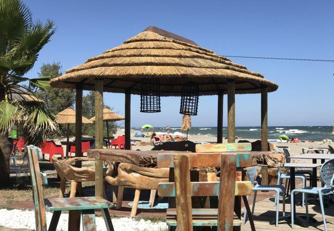 Résidence à Linguizzetta - Marina Bravone F3 terrasse vue mer